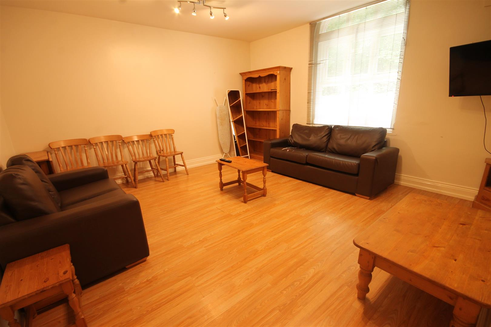 Huntsmoor House Newcastle Upon Tyne, 5 Bedrooms  House Share ,To Let